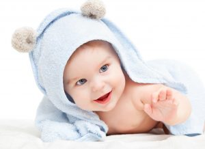 Khăn ướt có chất dưỡng ẩm nào tốt? Cách lựa chọn khăn ướt an toàn cho trẻ