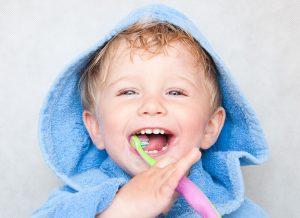 Vệ sinh đúng cách cho con theo 4 giai đoạn mọc răng