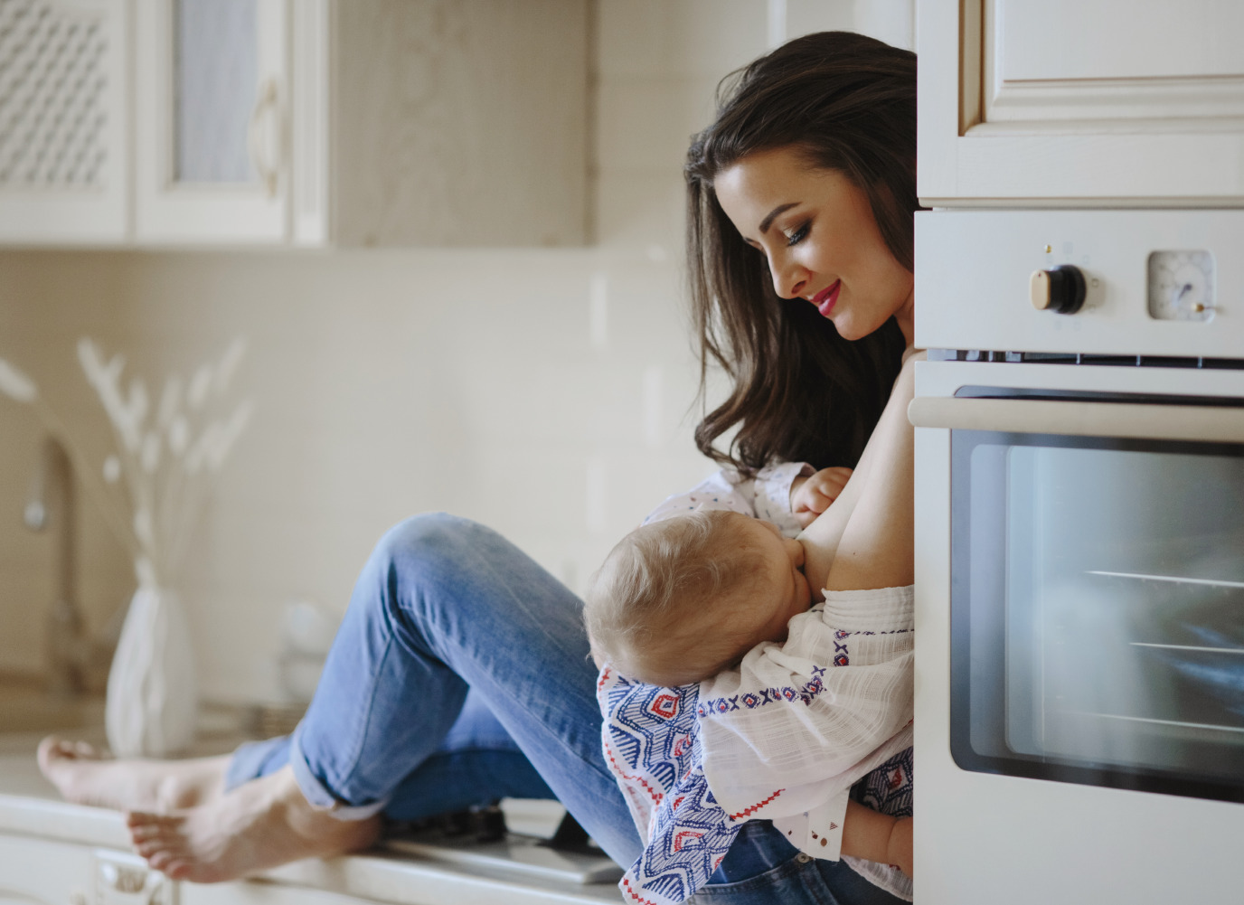 Mẹ cho con bú: TOP 5 thông tin quan trọng mẹ phải biết