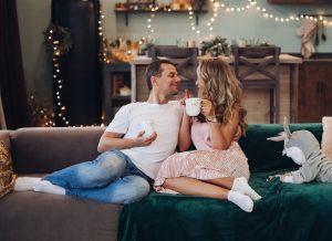 Mẹo hẹn hò cho cha mẹ mới giúp tình yêu hồi sinh