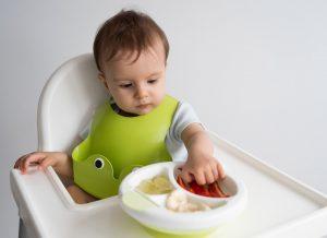 Hướng dẫn mẹ lựa chọn món ăn cho trẻ 2 tuổi đúng đắn
