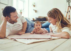 Quan sát quá trình phát triển của trẻ sơ sinh theo từng tháng