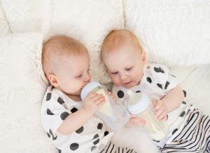 Mẹ cần biết những gì về sinh đôi cùng trứng?