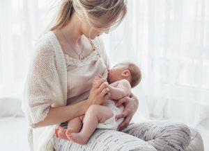 Mẹ bị tắc tia sữa? Nguyên nhân và cách điều trị nhanh và hiệu quả