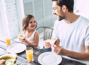 25 cách thu hẹp khoảng cách giữa cha và bé