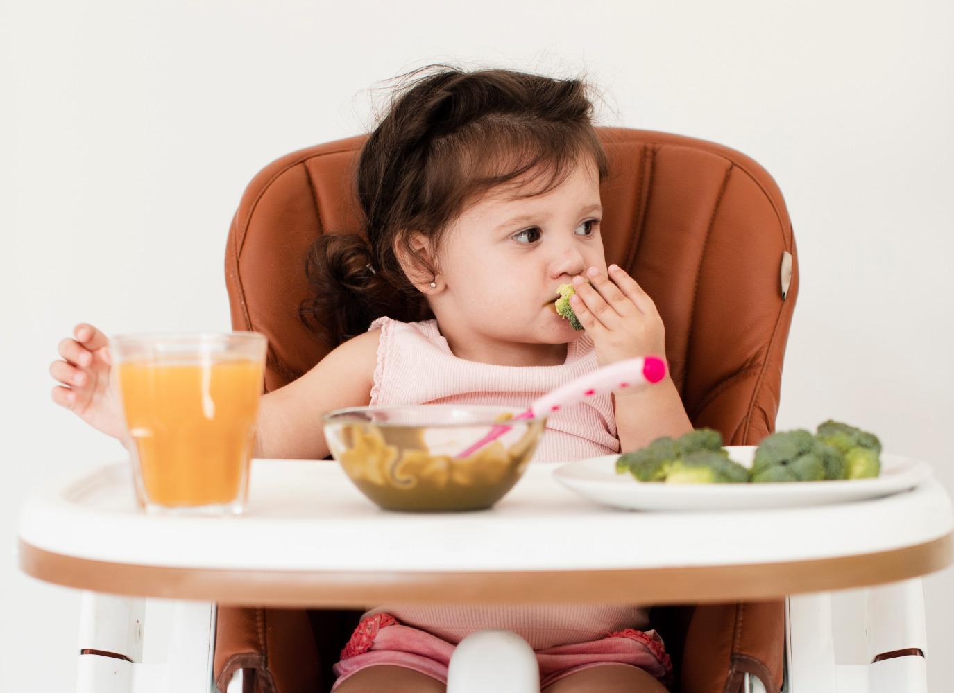 Thực đơn ăn dặm 11 tháng tuổi tăng cân vùn vụt