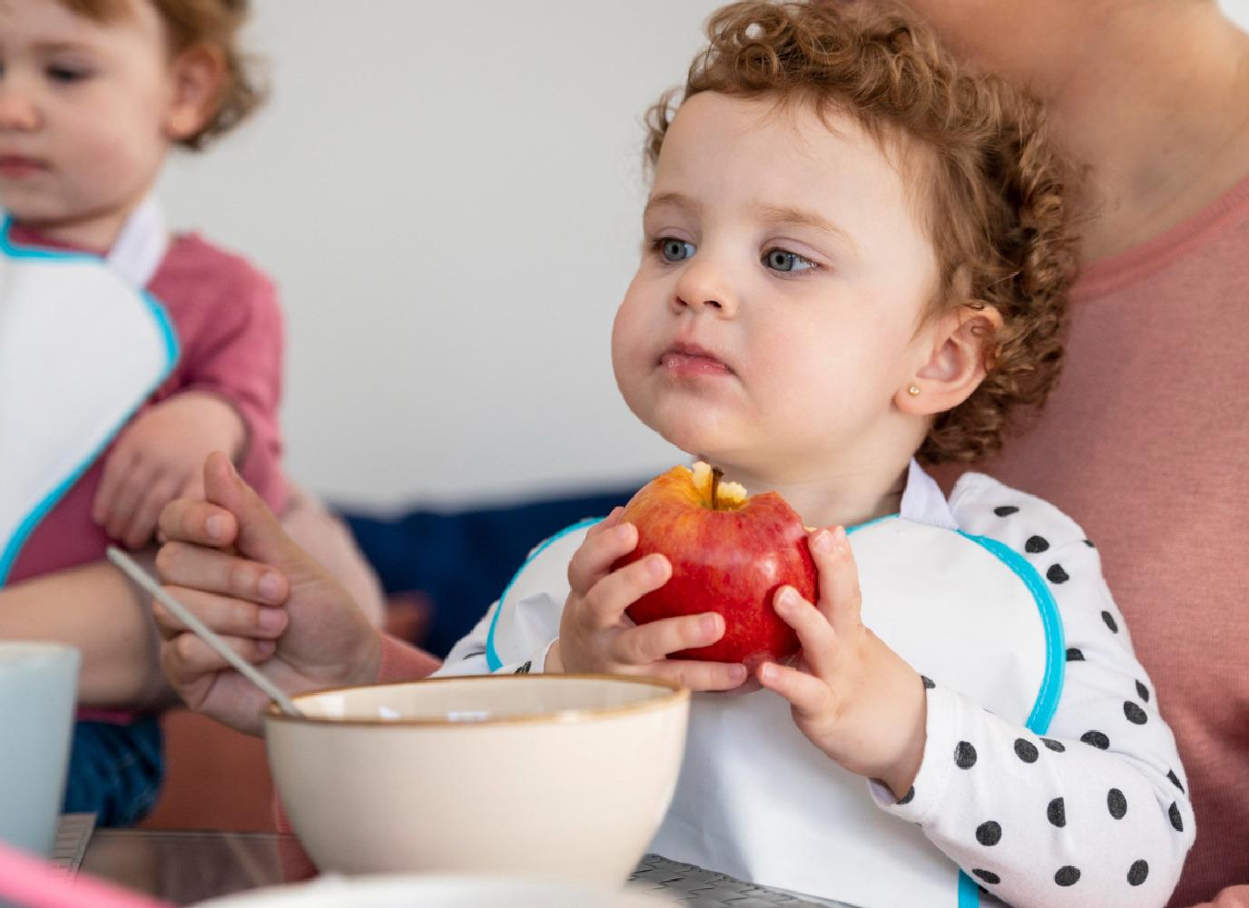 Bỏ túi thực đơn cho bé 1 tuổi giúp con phát triển toàn diện