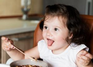 Thực đơn cho bé 7 tháng tuổi phát triển toàn diện hiệu quả