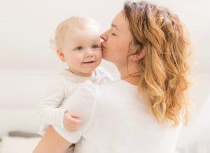 Mẹ có tò mò trẻ 12 tháng tuổi biết làm gì không nào?