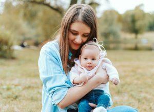 Trẻ 4 tháng tuổi phát triển như thế nào?