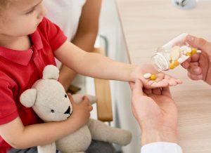 Trẻ 5 tháng tuổi cần bổ sung vitamin gì để phát triển toàn diện