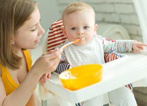 """""""Điểm danh"""" những loại thực phẩm mẹ không nên cho trẻ ăn dặm"""