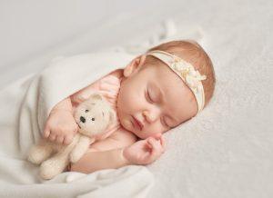 Trẻ sơ sinh ngủ ít có ảnh hưởng gì không?