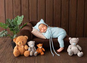 Trẻ sơ sinh ngủ nhiều không chịu bú có cần lo lắng?