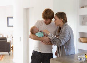 TOP 4 thông tin mẹ nhất định phải biết về trẻ sơ sinh sôi bụng