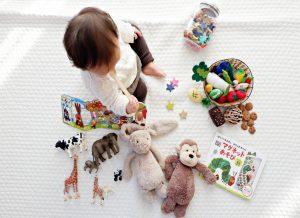 Trò chơi cho bé 10 tháng tuổi để mẹ lựa chọn