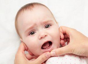 Phương pháp vệ sinh răng miệng cho bé dưới 1 tuổi