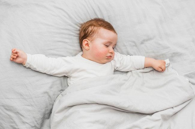 Chọn tã chất lượng, bé nhà mình sẽ ngủ ngon cả đêm