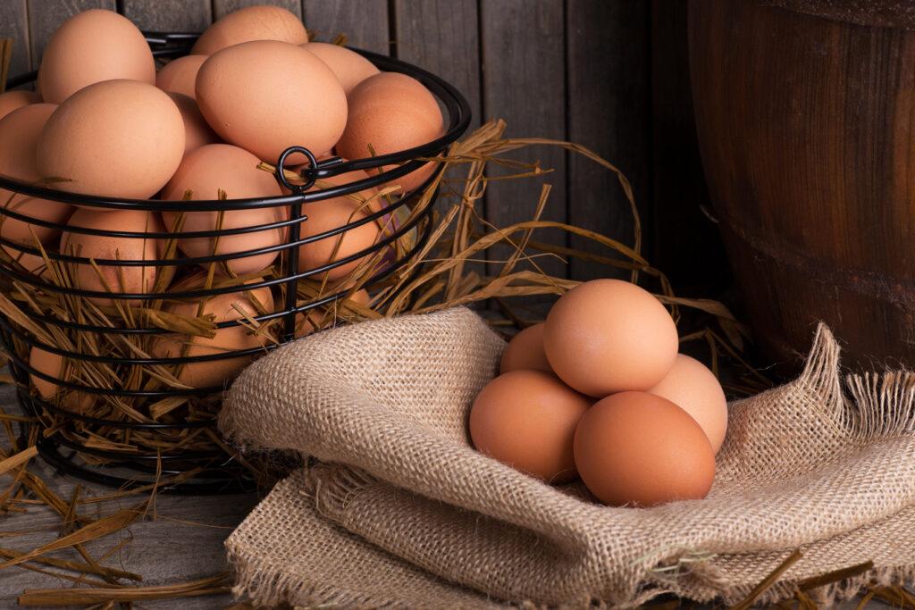 Nguyên liệu để chiên trứng nước tương