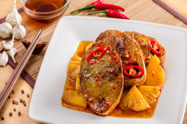 Cách kho cá ngừ đậm đà hấp dẫn cho bữa cơm gia đình