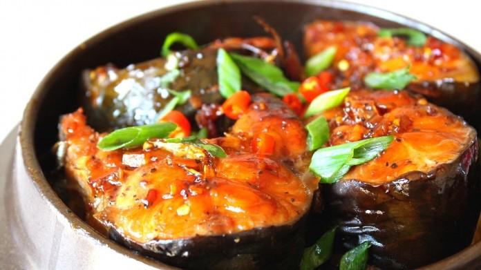 Cách nấu cá trắm kho dưa