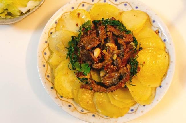 xoài khoai tây với thịt bò