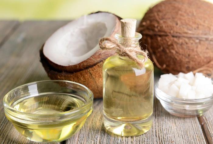 Dầu dừa là một sản phẩm tự nhiên với nhiều đặc tính quý