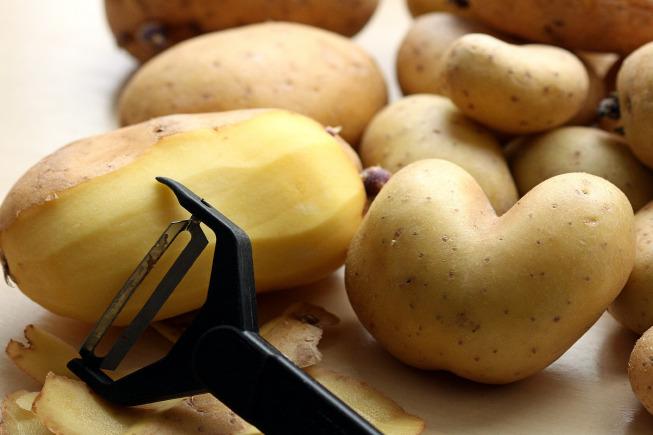 Thực đơn BLW 3: Khoai tây, thịt lợn, đậu cô ve, bơ