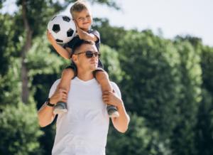 Đối với con, hình ảnh về bố thay đổi như thế nào qua từng độ tuổi?