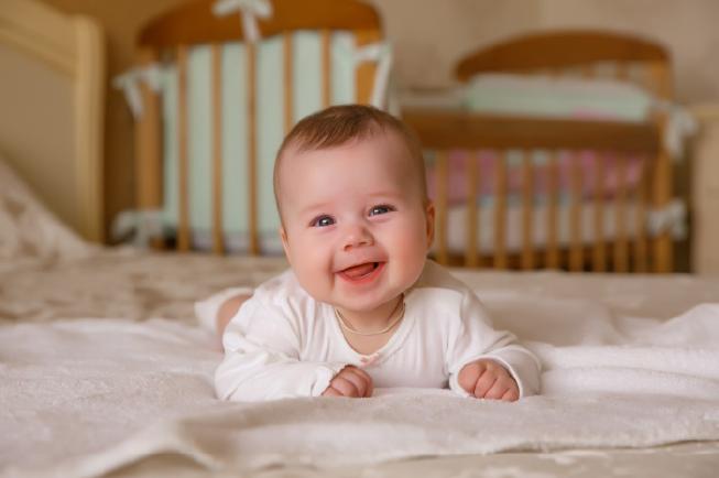 sự phát triển của bé 3 tháng tuổi