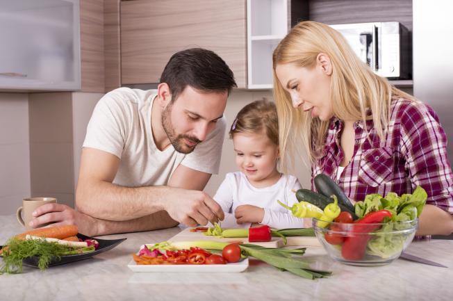 Điều chỉnh chế độ ăn uống cho bé