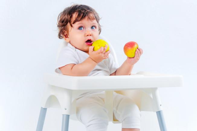 Bé 1 tuổi ăn được những gì?