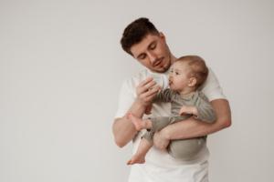 """Trẻ 11 tháng biếng ăn – 7 """"tuyệt chiêu"""" của ba mẹ thông thái"""