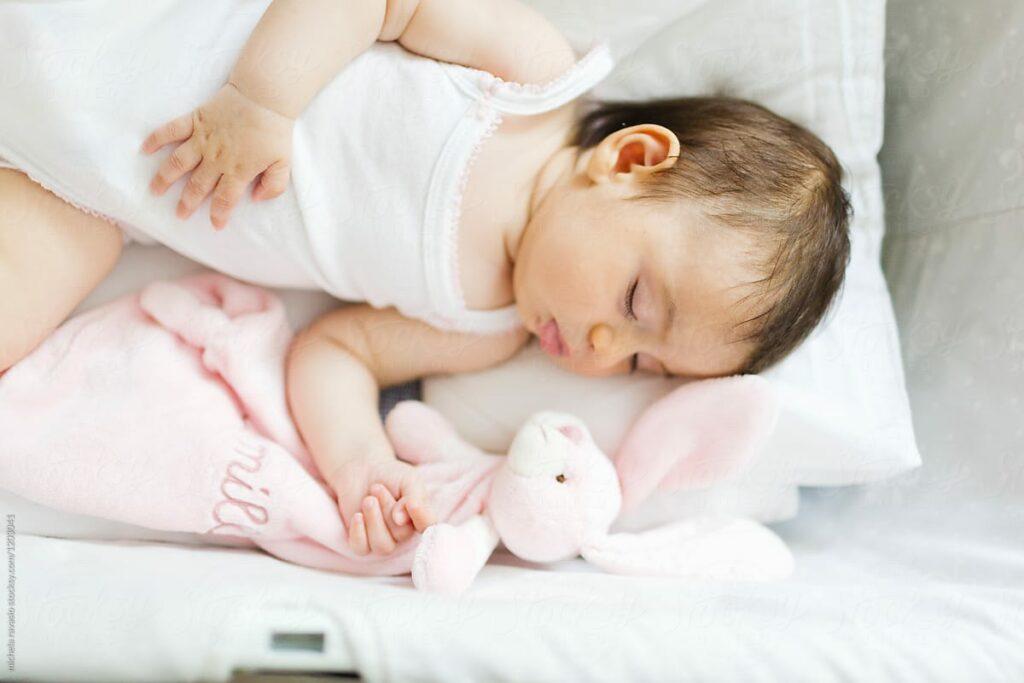 Trẻ 18 tháng chưa biết nói có phải chậm nói không?