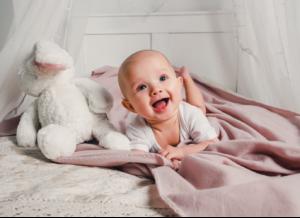 Trẻ 2 tháng mọc răng – có đáng lo không, cần lưu ý những gì?