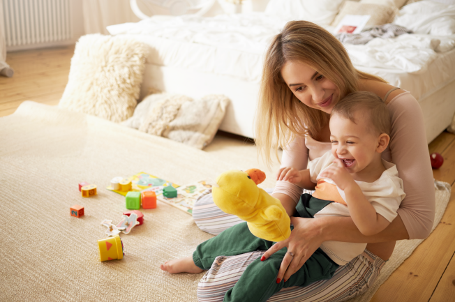Trẻ 2 tuổi bị nôn liên tục do nhiễm trùng đường tiết niệu