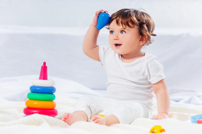 Trẻ 2 tuổi bị nôn về đêm tắc ruột