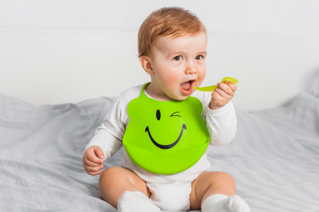 Bé 2 tuổi biếng ăn do tâm lý hay do chứng bệnh biếng ăn bẩm sinh