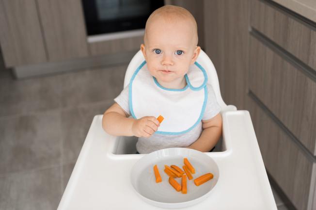 Bé 2 tuổi biếng ăn do thay đổi sinh lý