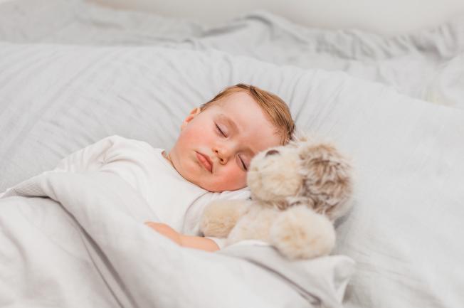 Tạo thói quen về lịch trình giấc ngủ của con