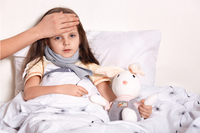 Cảm lạnh hay cảm cúm rất dễ làm bé bị đau đầu