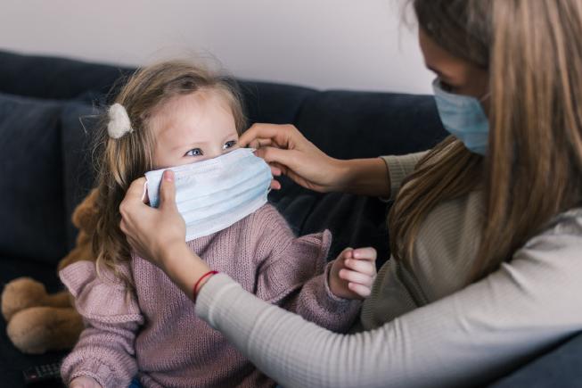 trẻ 9 tháng bị sốt