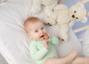 Trẻ 9 tháng chưa mọc răng có nguy hiểm không?