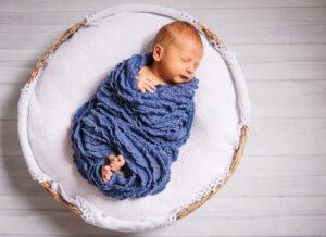 Những điều mẹ cần biết: Trẻ sơ sinh mấy tiếng cho bú 1 lần?