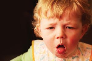 Bé 2 tuổi ho có đờm – Bố mẹ thực sự không nên bỏ qua