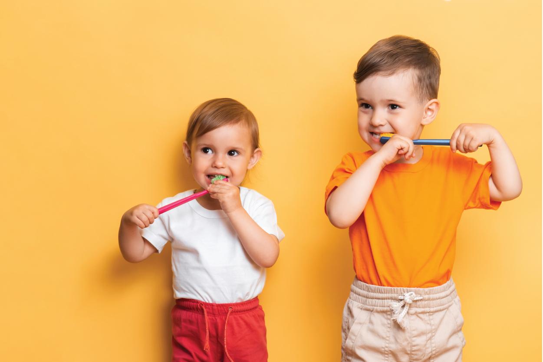 Bé 2 tuổi răng bị vàng: Mẹ có muốn răng bé trắng sớm nhất?