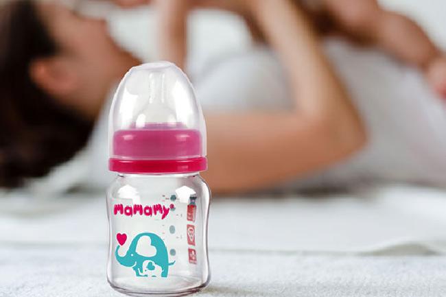 Bình sữa 120ml là lựa chọn tốt nhất dành cho bé dưới 3 tháng tuổi