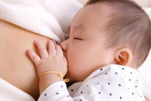 4 bước giúp mẹ hết căng sữa sau sinh nhanh chóng, đơn giản