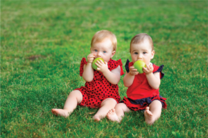 9 Dấu hiệu sinh đôi dễ nhận biết mẹ không nên bỏ qua
