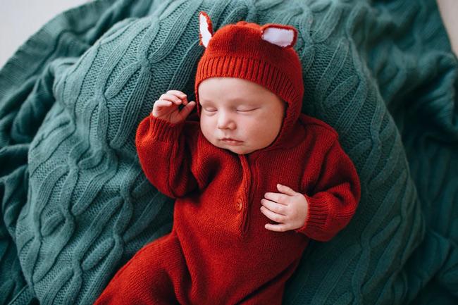 Để con ngủ trong môi trường không khói thuốc